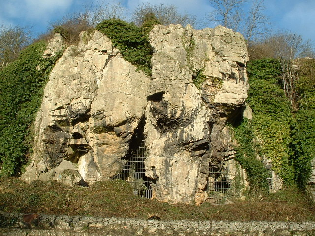 Англия Caves_Creswell_Crags_-_geograph.org.uk_-_90873